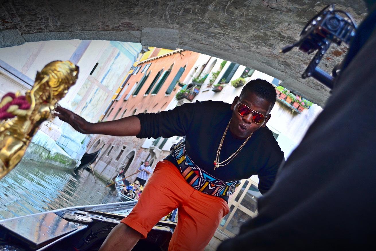 Eusebio v Benátkach počas natáčania videoklipu k singlu El destino