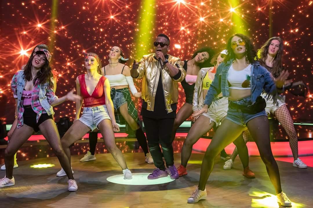 Latino Hity Chart Show